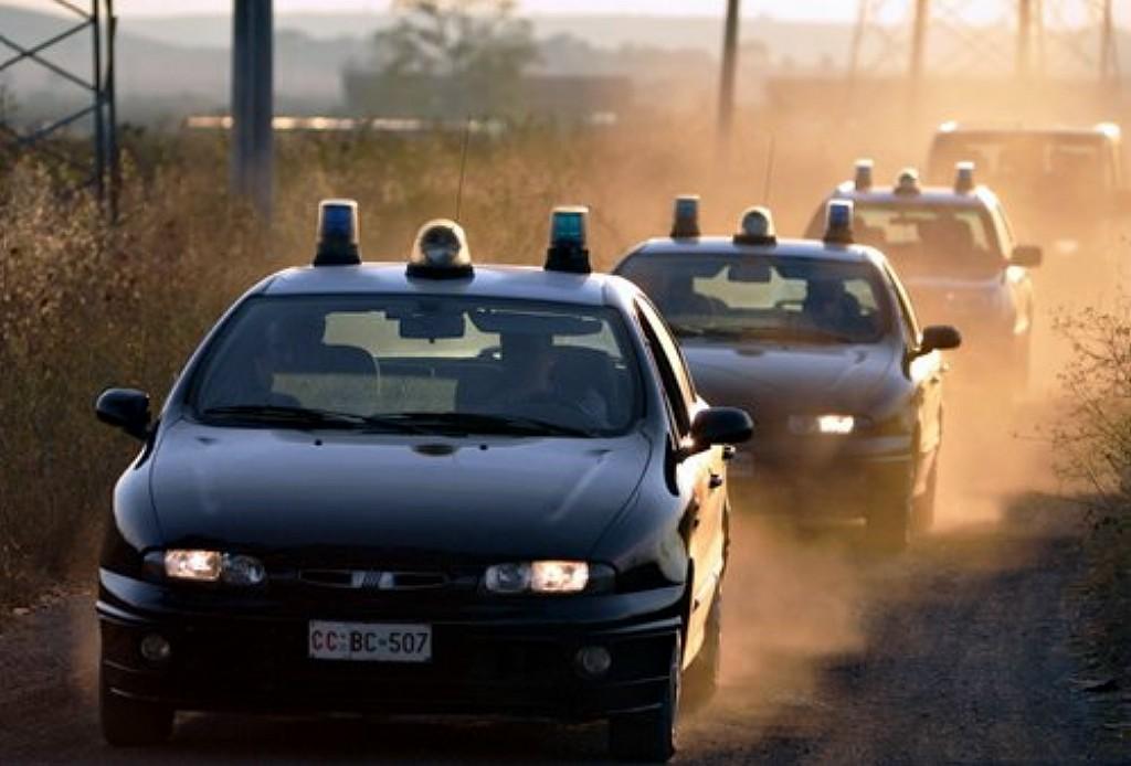 Tendopoli abusiva a Cassibile per 37 stranieri, carabinieri sul posto