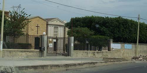 Commemorazione defunti, autobus per andare al cimitero