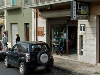 Furto tabaccheria Tavana, ladri portano via sigarette e gratta e vinci