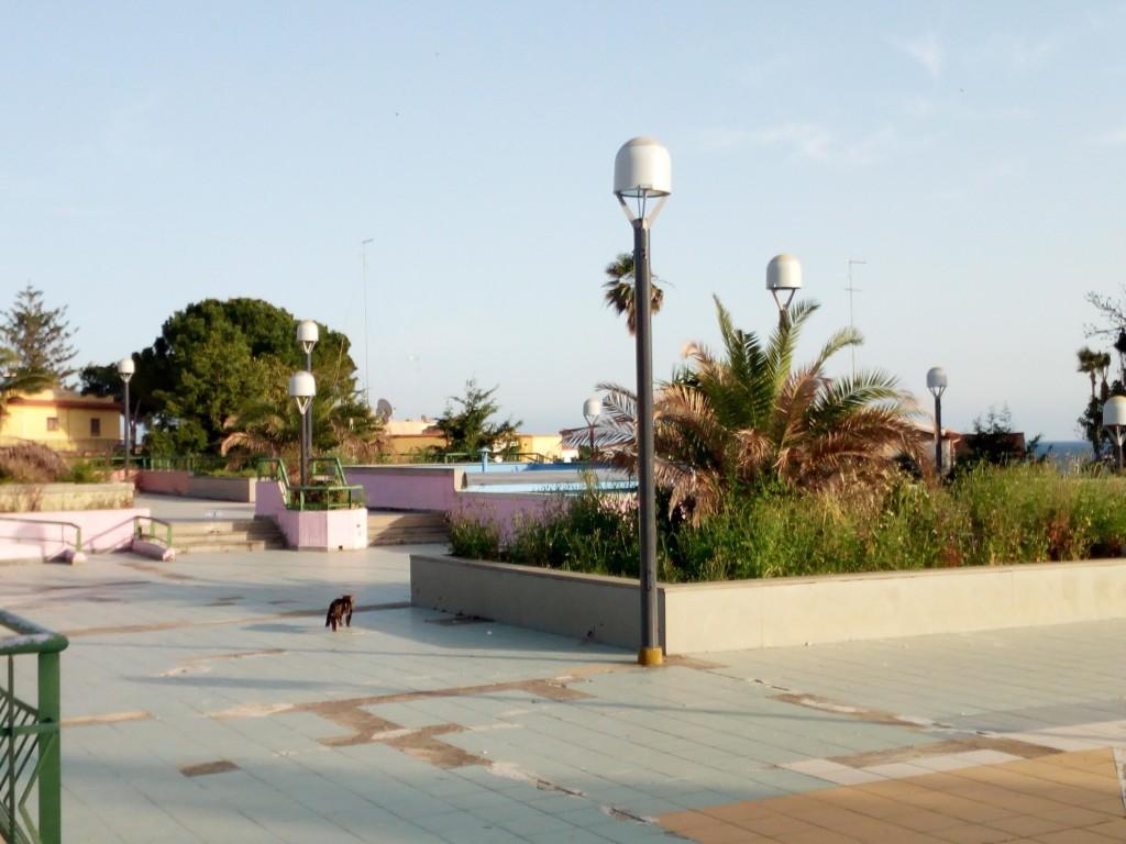 Nuova illuminazione nella piazzetta di Fontane Bianche