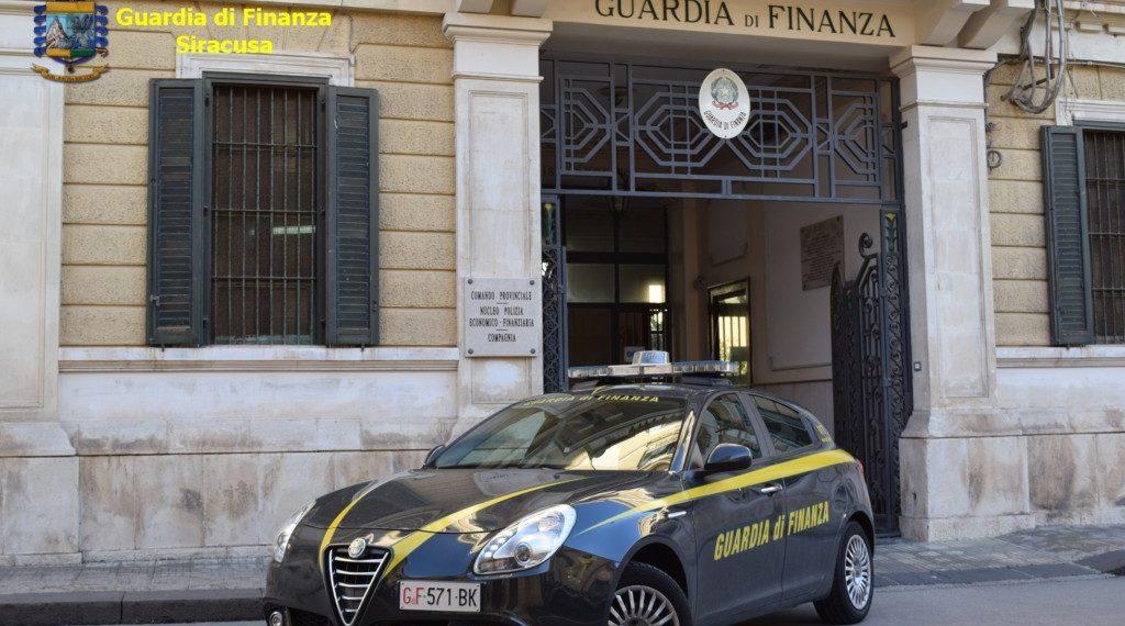 Accademia Guardia Finanza, arruolamento allievi ufficiali, bando pubblicato