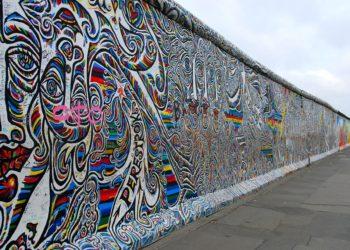 """Caduta del Muro, MaratoniAmo Cassibile"""", passeggiata per l'ambiente e per la pace"""