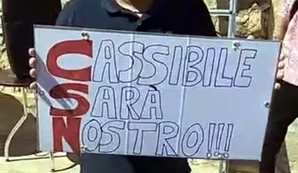 Cassibile sarà nostro, la manifestazione in diretta dalla piazza