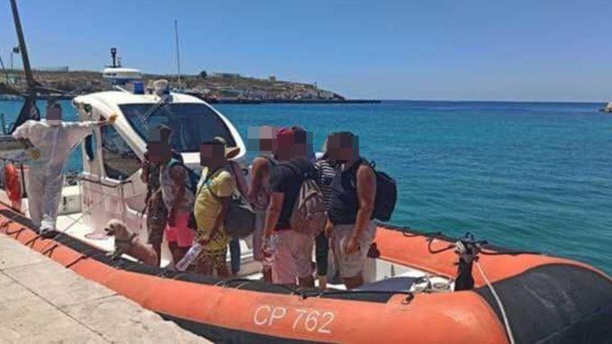 Migranti: il Viminale aMusumeci, in arrivo soldati e nave-quarantena
